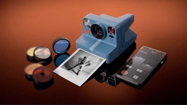 Polaroid's Now+ connected camera comes with five clip-on lens filters