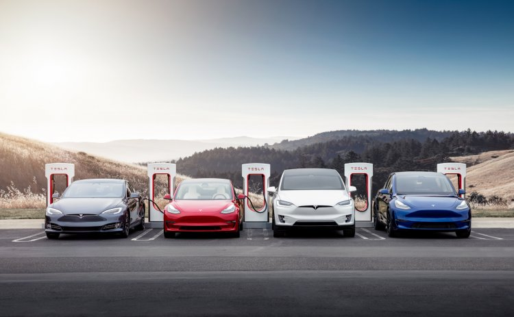 Tesla ordered to share Autopilot data with the US traffic safety agency
