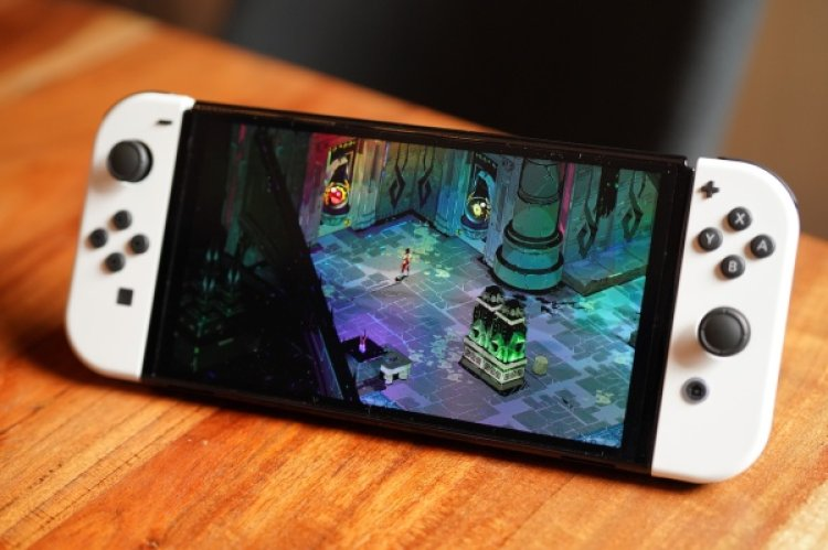 Review: Nintendo Switch OLED is a boon to handheld users but skippable as a home console update
